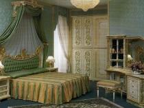 Резная мебель с позолотой для спальни в стиле роккоко