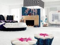 Спальня фьюжн с дизайнерским текстилем