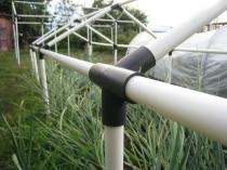 Элемент крепления пвх труб для строительства каркаса теплицы