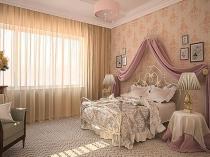 Простые бежевые тюлевые шторы в классическом дизайне спальни