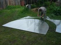 Изготовление фронтона из поликарбоната перед установкой на каркас теплицы