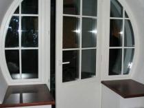 Оригинальная идея для оформления оконного балконного блока
