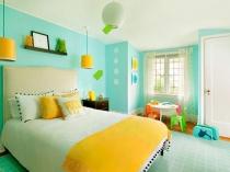 Дизайн спальни ребенка в веселой бирюзово-желтой гамме