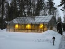 Установка осветительных приборов в зимней теплице