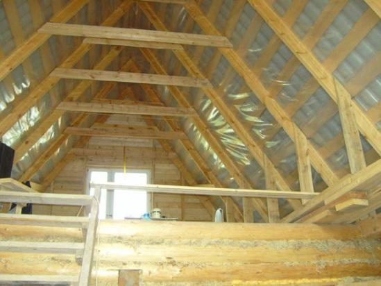 отделка мансардной крыши изнутри