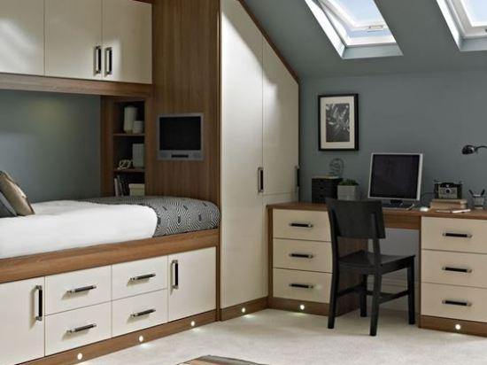 Встроенная мебель для мансардной комнаты