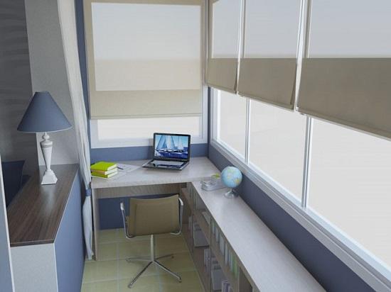 Так выглядит рабочая зона на балконе