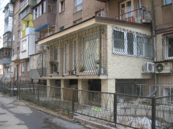 Столбчатое основание для балкона на 1 этаже