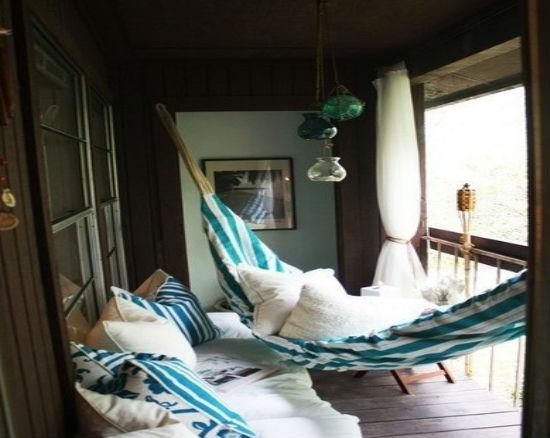 Место для отдыха на переделанном балконе