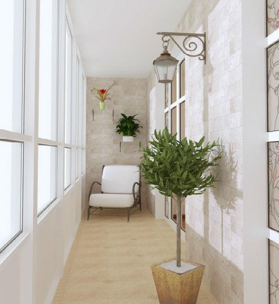 Дизайн балкона выдержан в светлых тонах