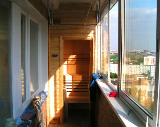 Переделка балкона в сауну