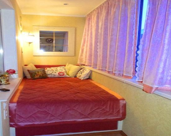 Переделка балкона в спальню