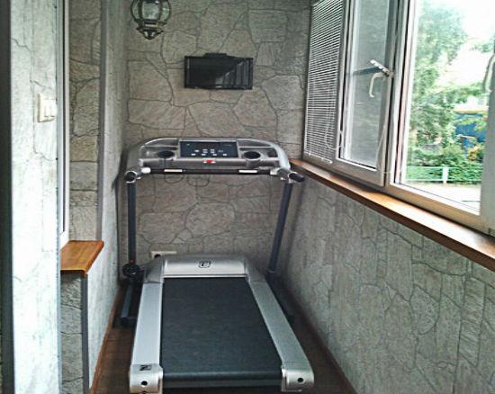 Балкон переделанный в спортзал