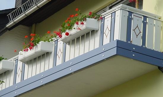 Один из видов укрепления балкона