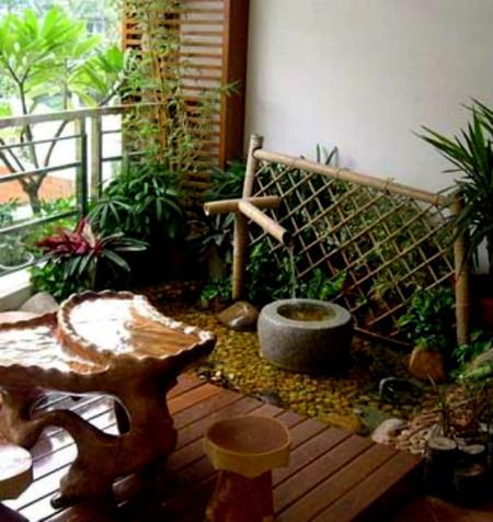 Пример озеленения большого балкона