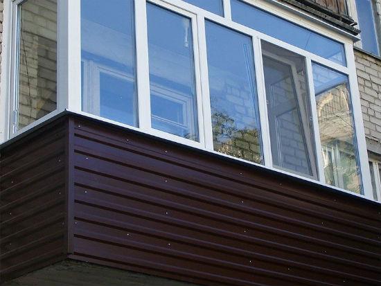 Облицовка балкона профнастилом