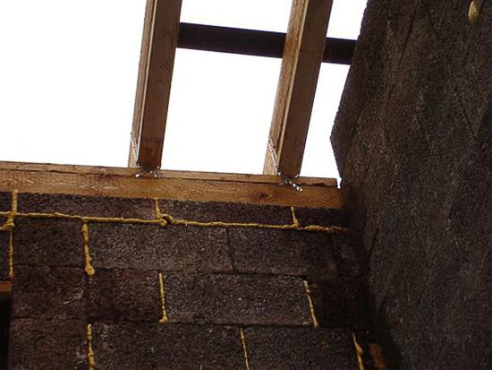 Балки перекрытия мансардной крыши