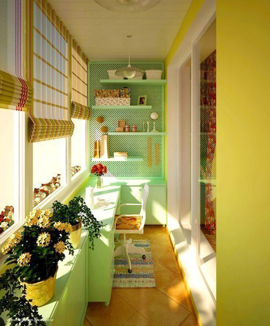 Дизайн лоджии в ярких цветах