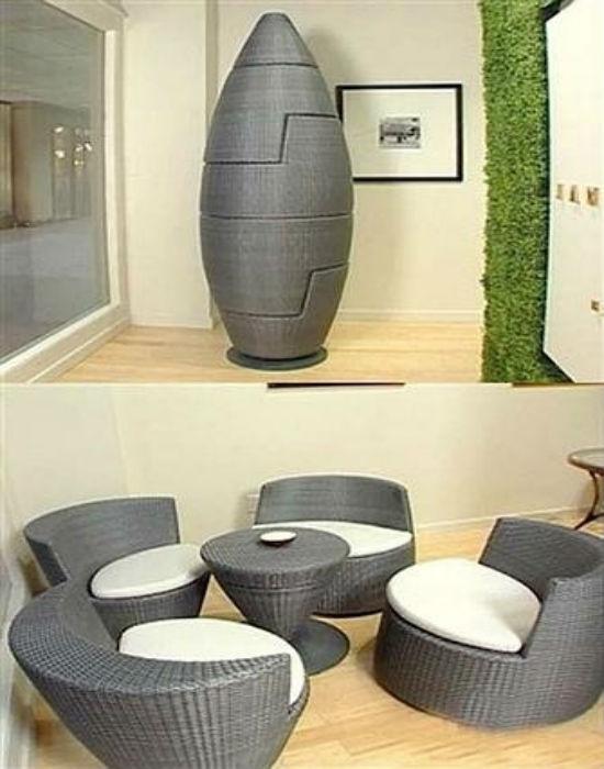 Компактная плетеная мебель для лоджии