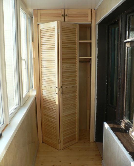 Шкаф-гармошка на лоджии
