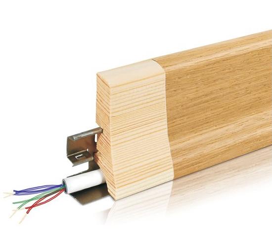 Деревянный плинтус с кабель каналом