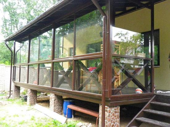 Остекление окнами ПВХ крыльца-веранды