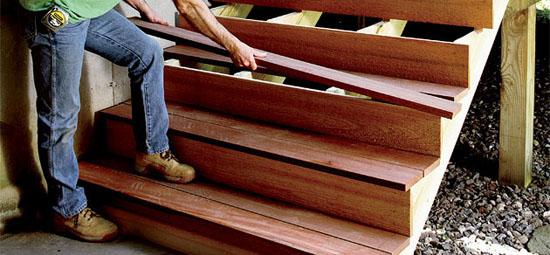 Замена ступеней деревянного крыльца
