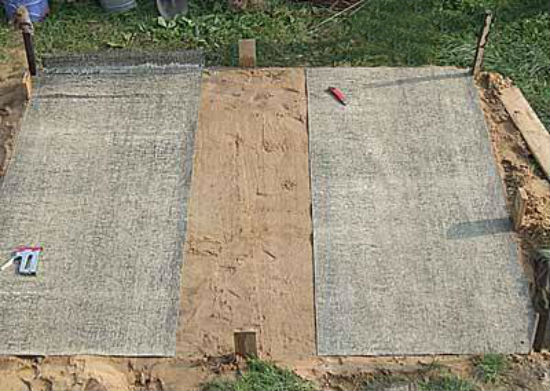 Песчано-гравийная подушка под кирпичное крыльцо