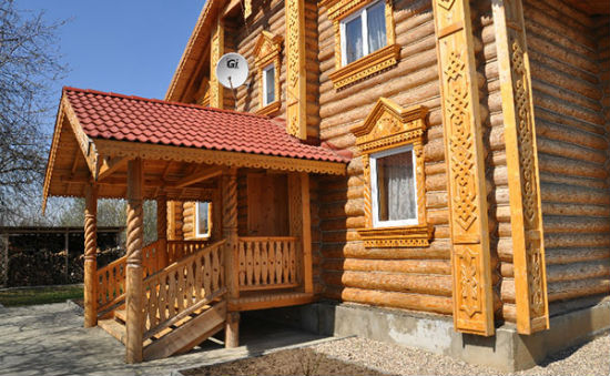 Русское деревянное крыльцо