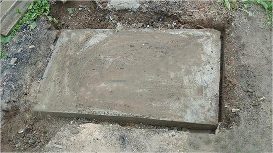 Плитный фундамент под мангал беседки