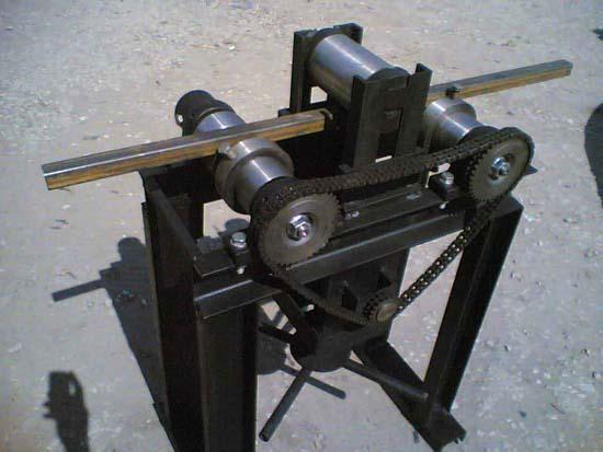 Трубогиб для сгибания элементов каркаса металлической беседки