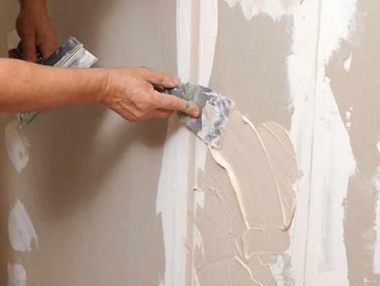 Оштукатуривание стен санузла