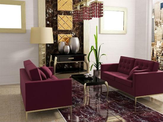 Светлые серо-сиреневые обои в комнате с бордовой мебелью