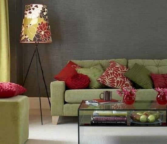 Сочетание темно-серых обоев с мебелью с оливкового цвета