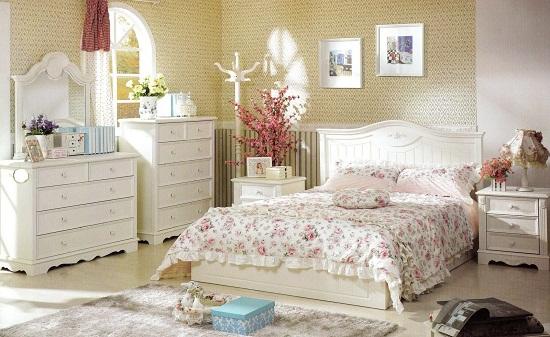 Отделка спальни в светлых тонах стиля прованс