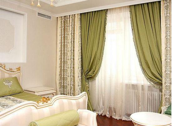 Контрастные двойные шторы для спальни