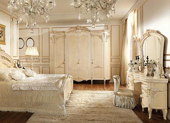 Изящная мебель с позолотой в классическом дизайне спальни