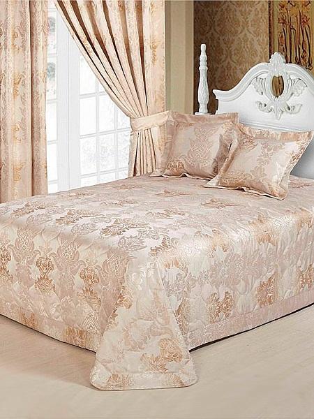 Плотные шторы пастельного оттенка в цвет текстиля в спальне