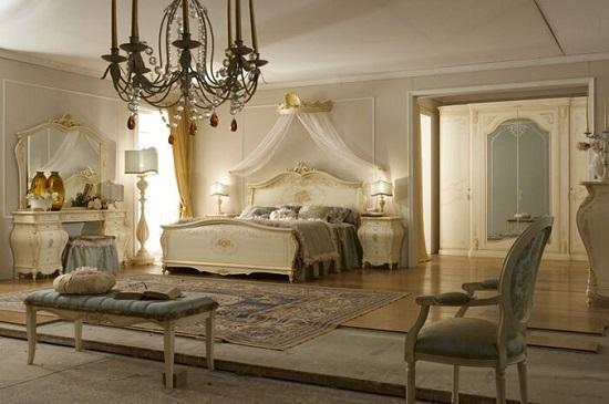 Мебель цвета слоновой кости в дизайне спальни роккоко
