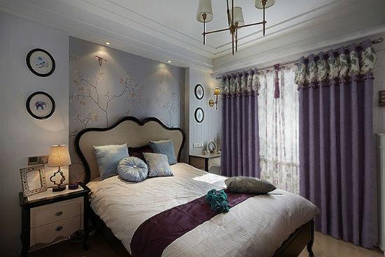 Растительный орнамент на стене спальни
