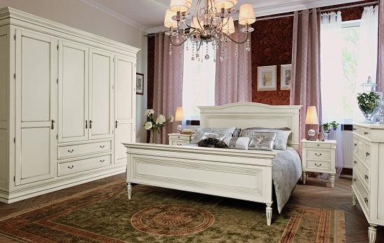 Шкаф и тумбы в классическом стиле для спальни