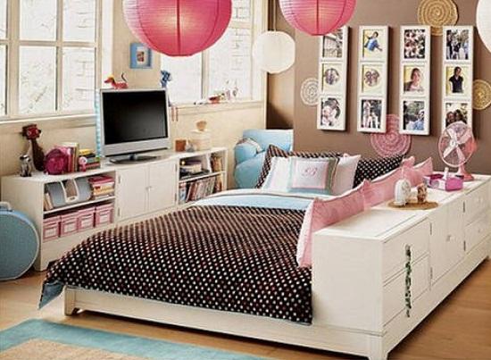Интерьер небольшой спальни для девочки-подростка