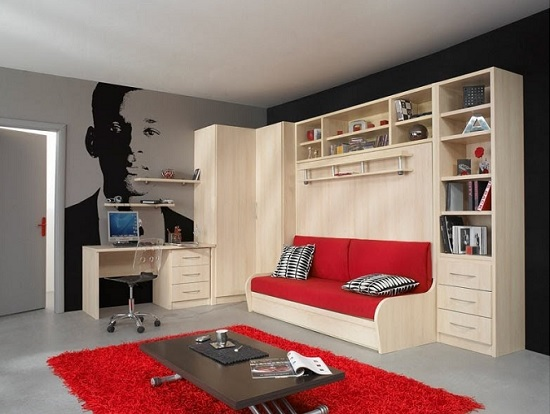 Компактная кровать-трансформер в спальне