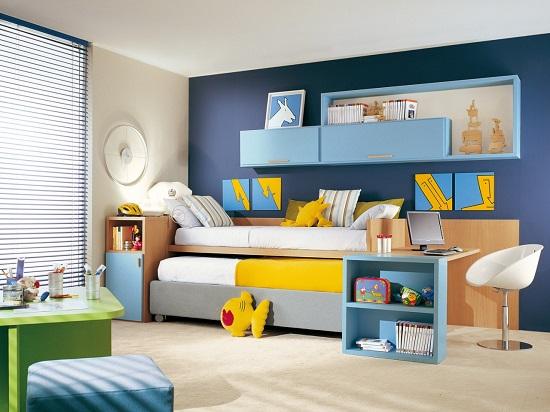 Идея оформления детской спальни в ярких тонах