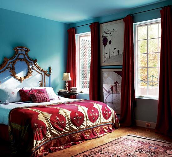 Ахроматические бирюзовый и красный цвет в оформлении спальни