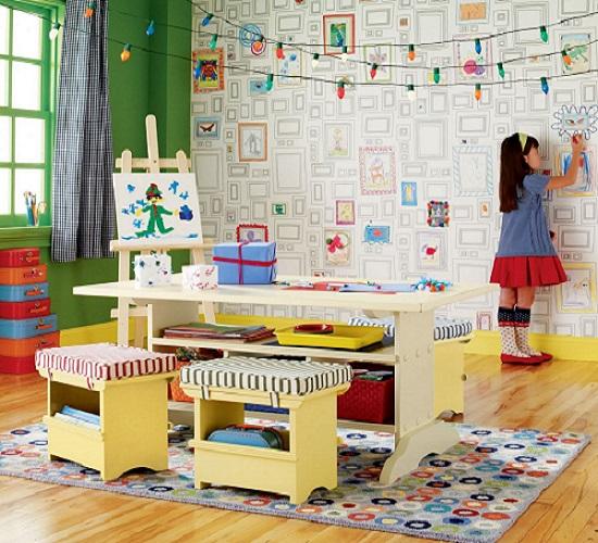 Идея оформления стены для рисования в детской спальне