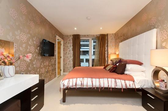 Натяжной матовый потолок в спальне