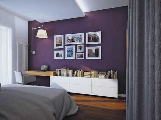 Минималистический дизайн спальни с акцентом на сиреневую стену