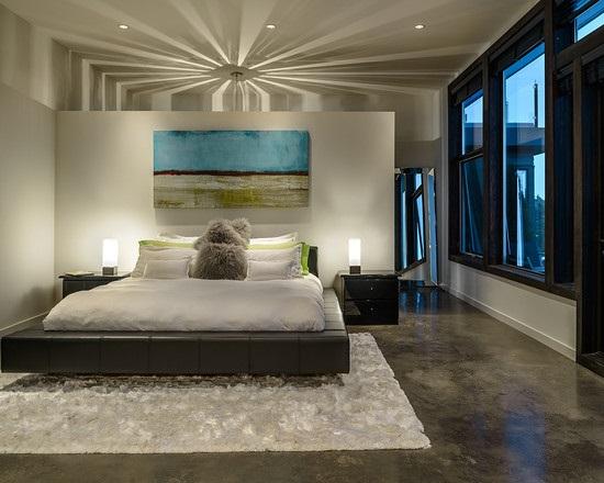 Спальня с красивым наливным полом под мрамор