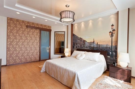 Трехуровневый подвесной потолок в спальне